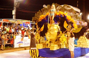 parade  chica float